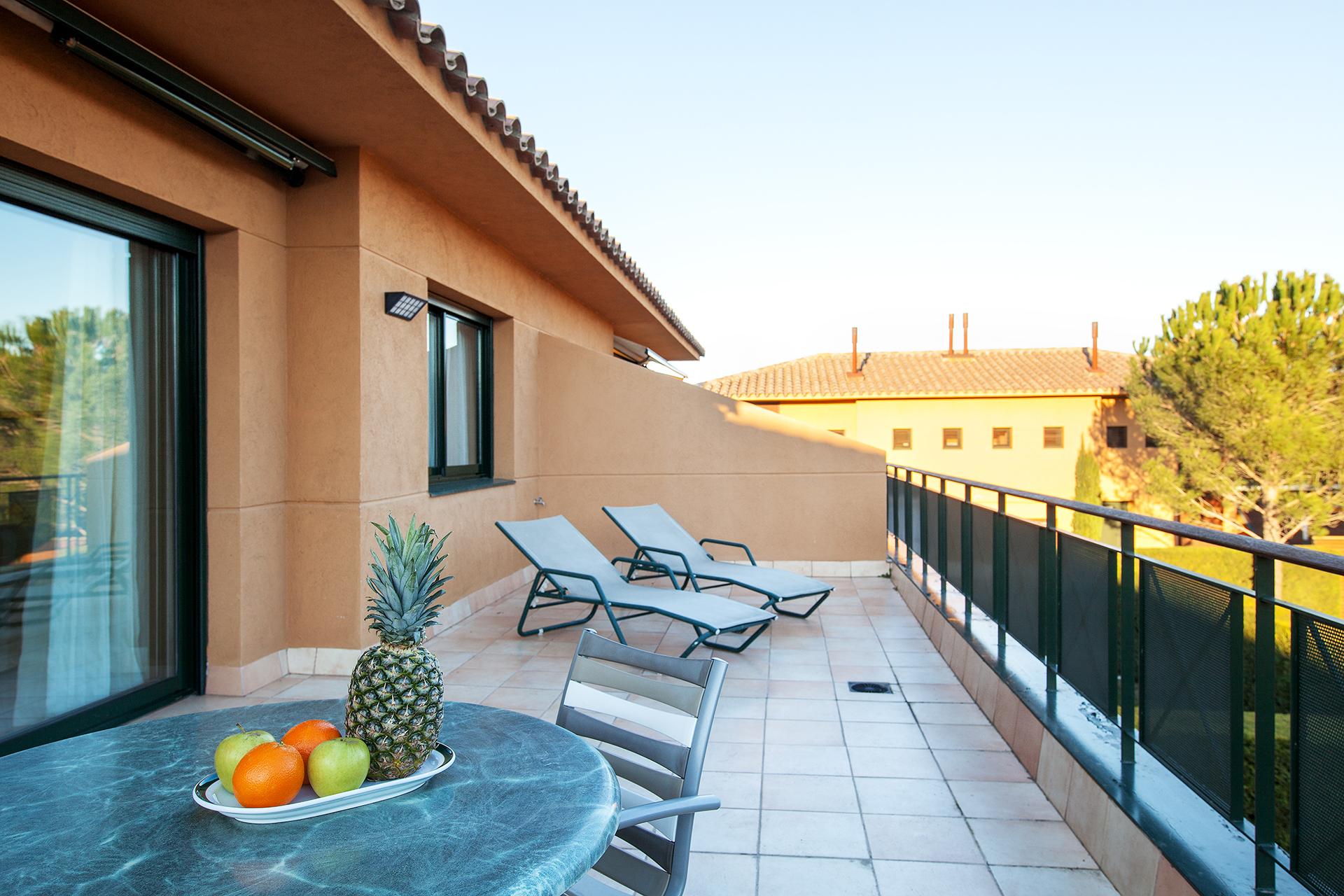 Golf-Expedition-Golf-reizen-Spanje-Regio-Barcelona-TorreMirona-Golf-&-Spa-Resort-balcony