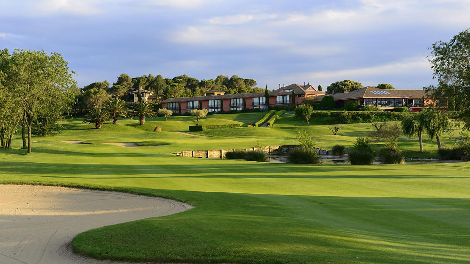 Golf-Expedition-Golf-reizen-Spanje-Regio-Barcelona-TorreMirona-Golf-&-Spa-Resort-golf-course-hole-3