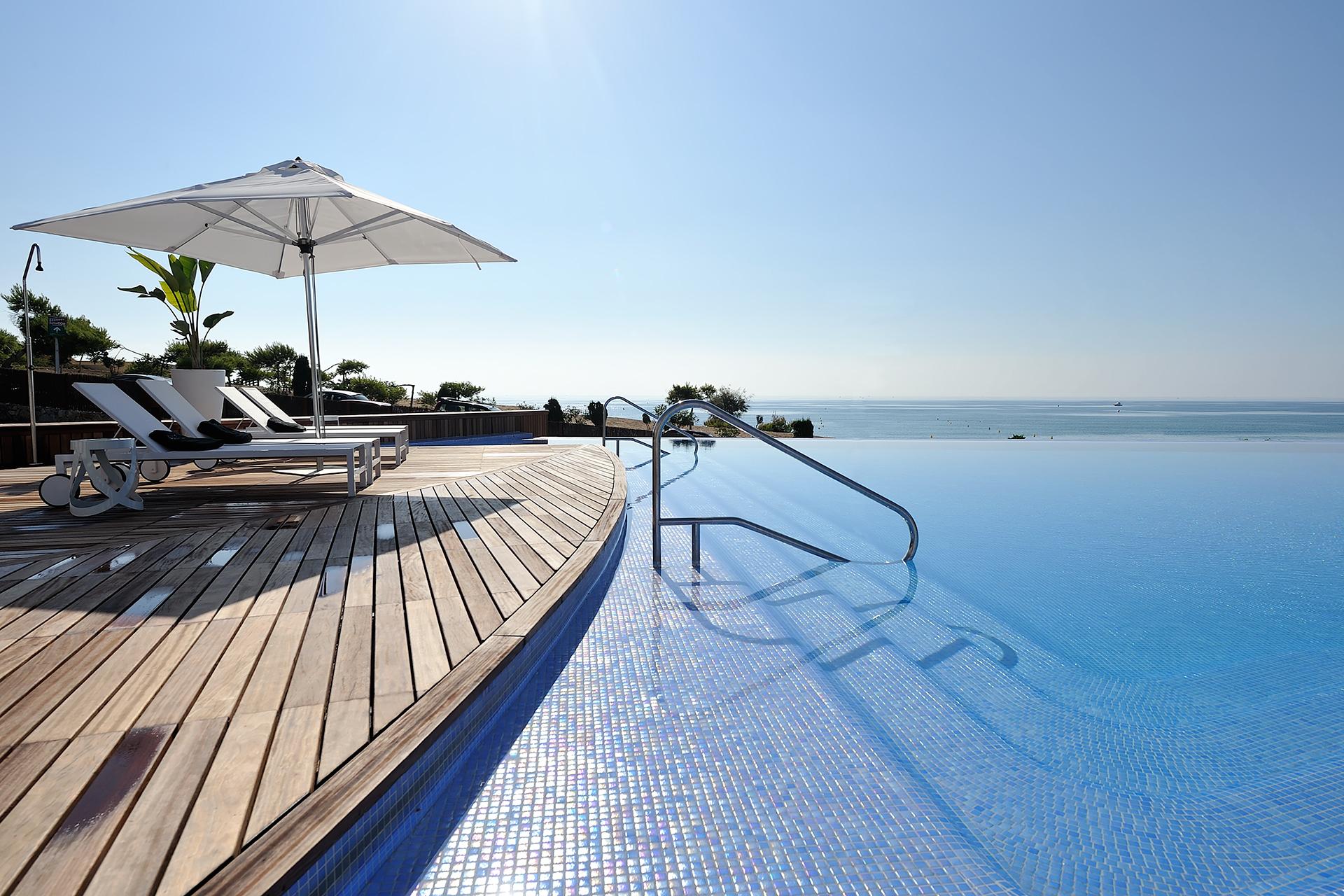 Golf-Expedition-Golf-reizen-Spanje-Regio-Valencia-Las-Colinas-Golf-and-Country-Club-pool-2