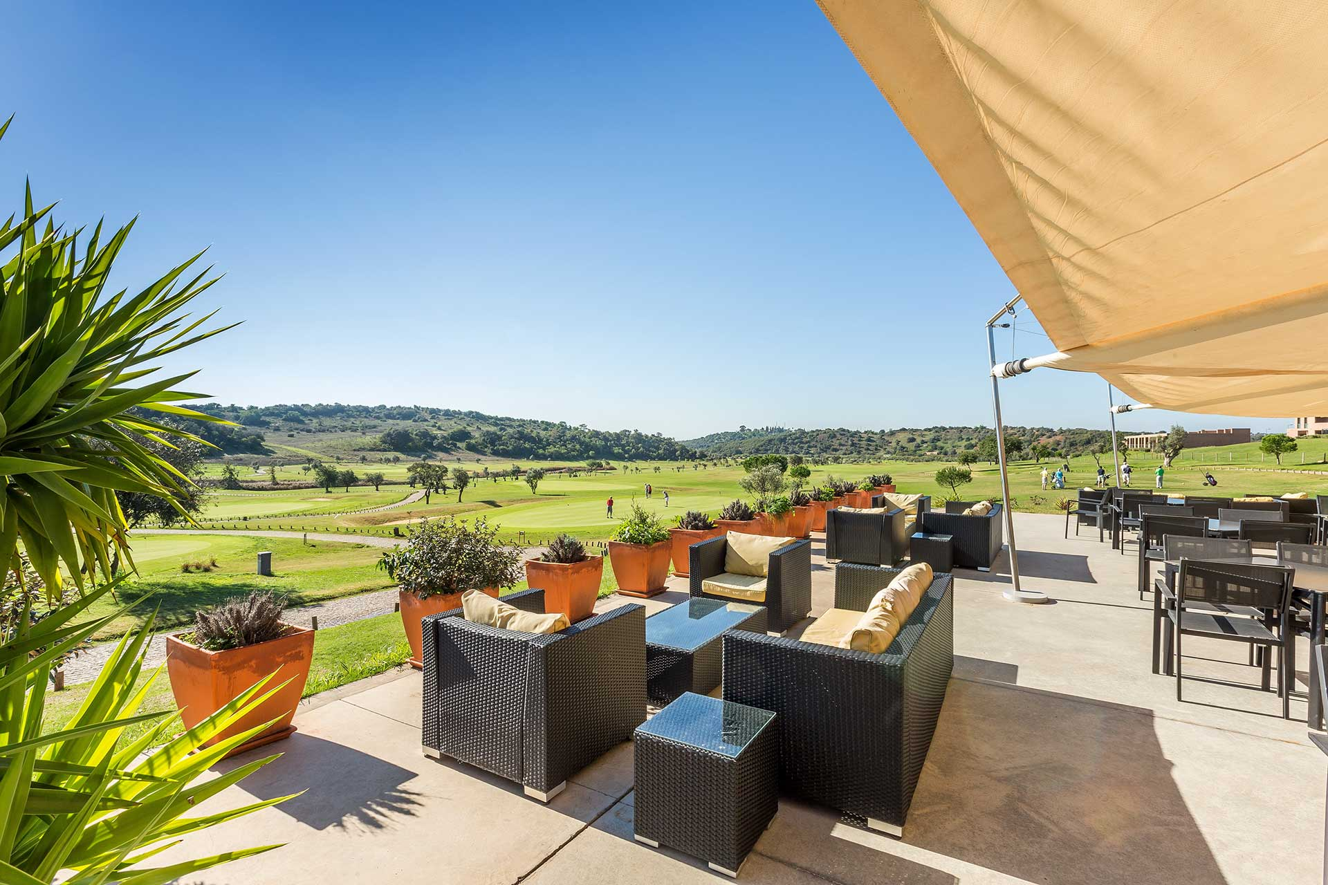 Golf-expedition-golfreizen-golfresort-Morgado-Golf-&-Country-Club-Morgado-Golf-Resort-Bar-Lobby