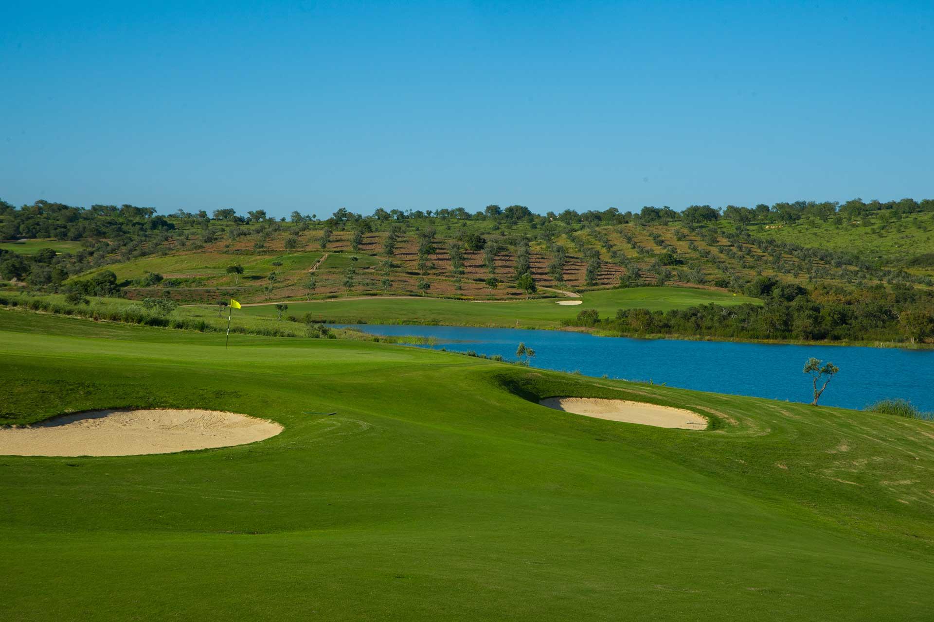 Golf-expedition-golfreizen-golfresort-Morgado-Golf-&-Country-Club-golf-course-hole-2
