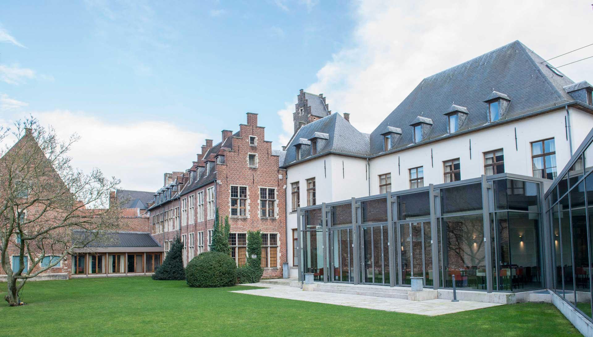 Golfexpedition-Golfreizen-België-Brussel-Klooster-Leuven-course-gebouwen-boom