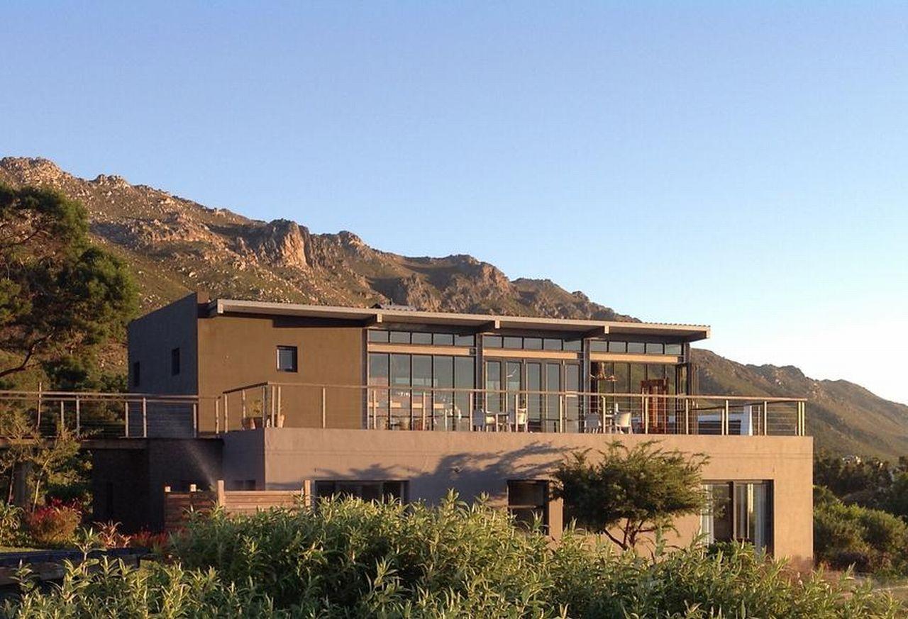 golf-expedition-golf-reis-zuid-afrika-colourful-manor-voorkant-hoofdgebouw.jpg
