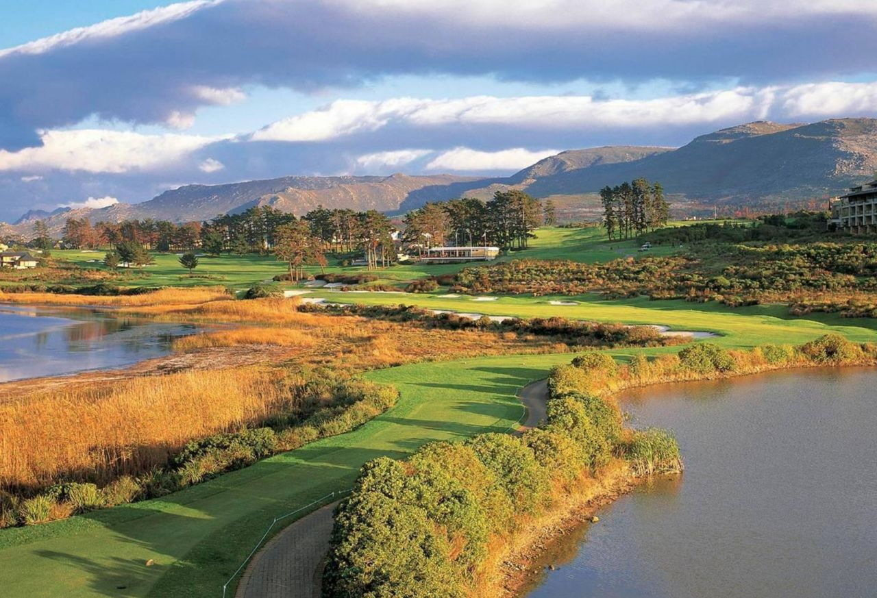 golf-expedition-golf-reis-zuid-afrika-golf-en-gastronomie-prachtige-golfbaan-in-natuur.jpg