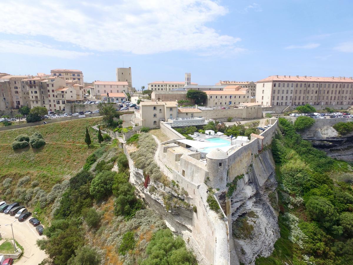golf-expedition-golf-reizen-frankrijk-regio-corsica-hotel-genovese-accommodatie-kasteel-toren