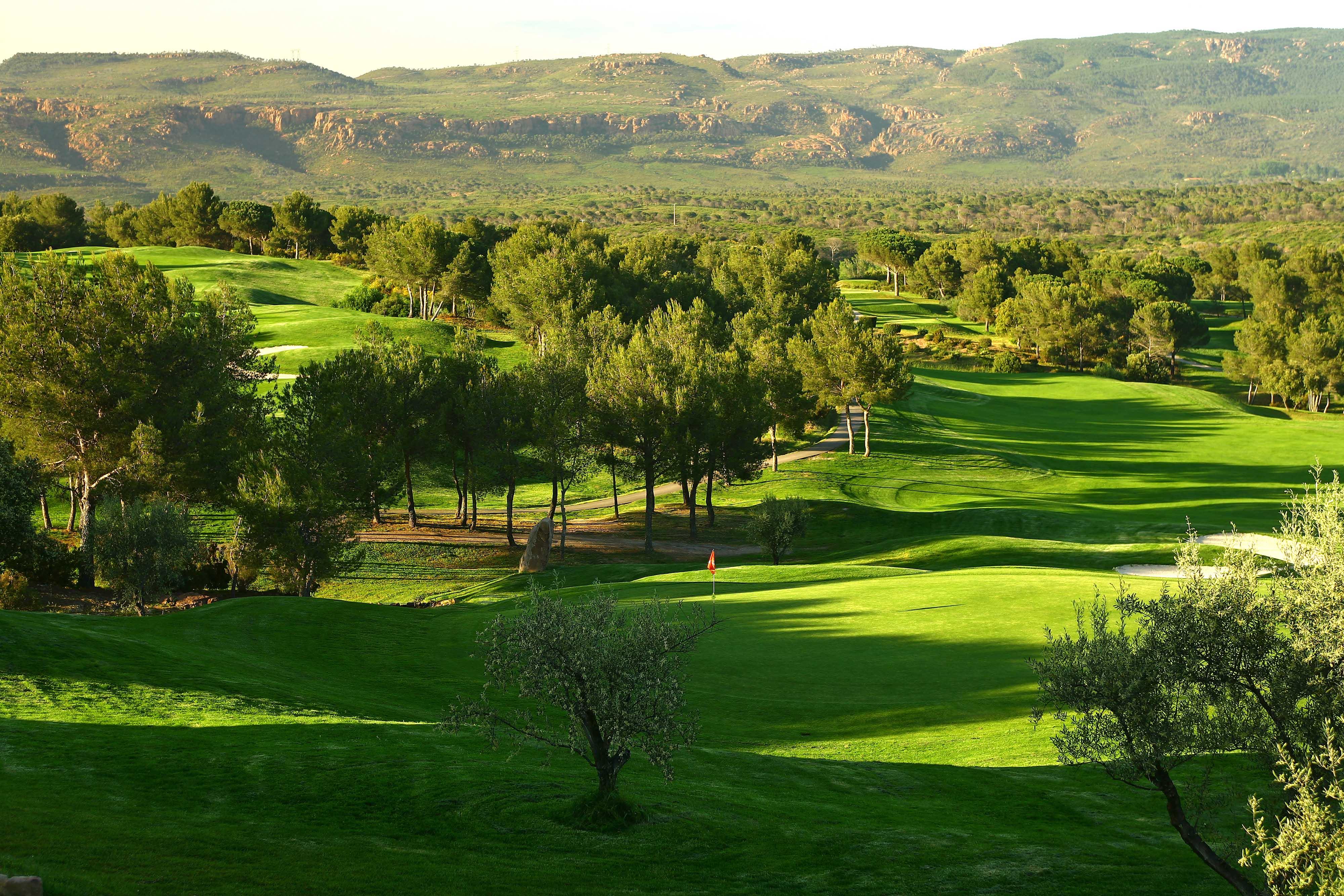 golf-expedition-golf-reizen-frankrijk-regio-cote-d'azur-Les-Domaines-de-Saint-Endréol-Golf-en-Spa-Resort-golfbaan-fairway