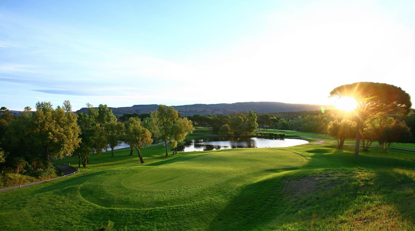 golf-expedition-golf-reizen-frankrijk-regio-cote-d'azur-Les-Domaines-de-Saint-Endréol-Golf-en-Spa-Resort-golfbaan-green-water-hazard
