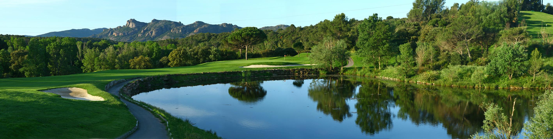 golf-expedition-golf-reizen-frankrijk-regio-cote-d'azur-Les-Domaines-de-Saint-Endréol-Golf-en-Spa-Resort-panorama-golfbaan