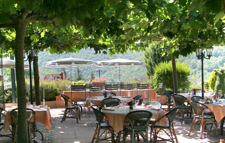 golf-expedition-golf-reizen-frankrijk-regio-languedoc-roussillon-domaine-de-falgos-restaurant.jpg