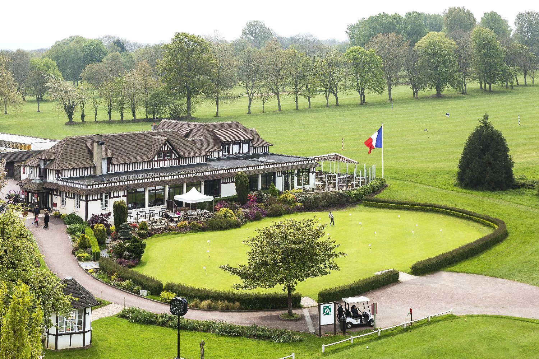 golf-expedition-golf-reizen-frankrijk-regio-normandië-hotel-du-golf-barriere-drone-restaurant-golfbaan-en-oefen-ruimte.jpg