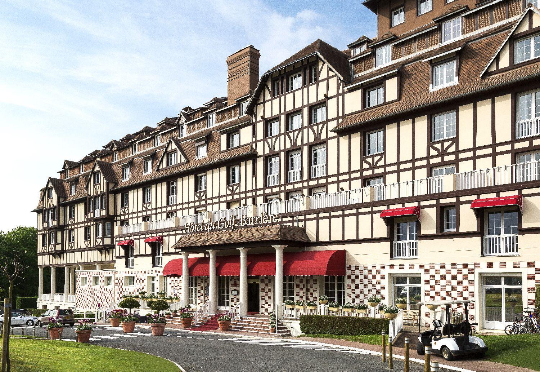 golf-expedition-golf-reizen-frankrijk-regio-normandië-hotel-du-golf-barriere-luxe-entree-hotel-met-parkeerplaats.jpg