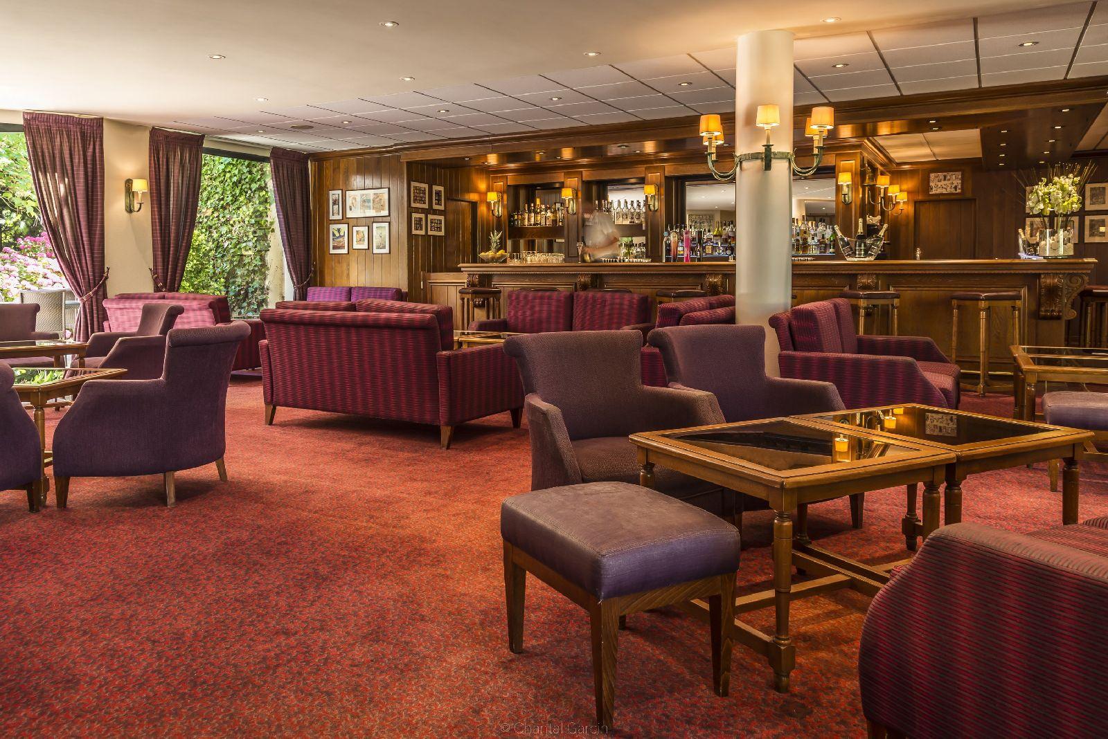 golf-expedition-golf-reizen-frankrijk-regio-pas-de-calais-hotel-du-parc-lounge-met-bar.jpg