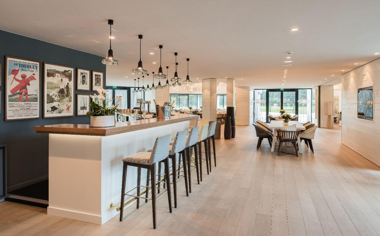 golf-expedition-golf-reizen-frankrijk-regio-pas-de-calais-le-manoir-hotel-stijlvolle-bar-met-zit-ruimte.jpg