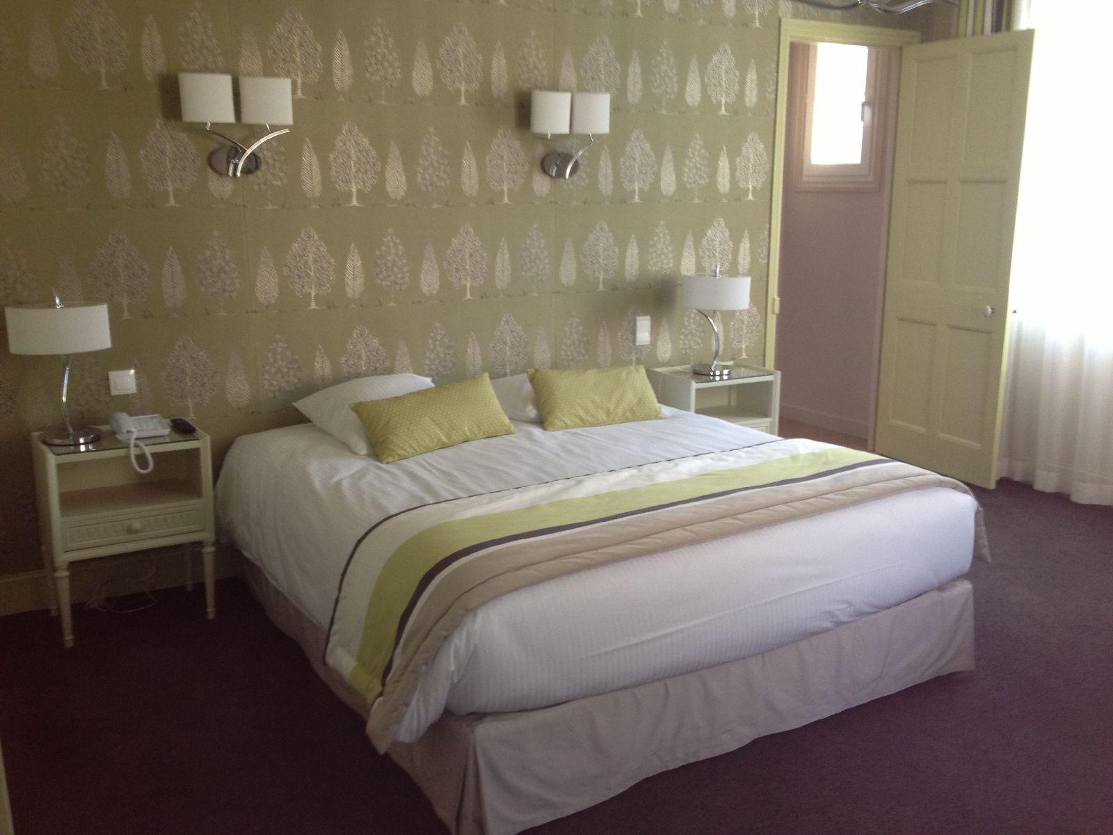 golf-expedition-golf-reizen-frankrijk-regio-pas-de-calais-le-manoir-hotel-twee-persoons-slaapkamer-met-badkamer.jpg