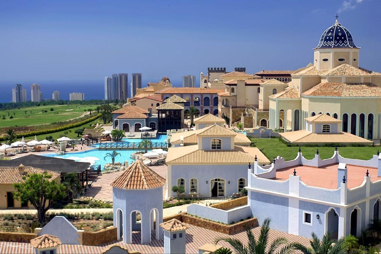 golf-expedition-golf-reizen-spanje-regio-alicante-melia-villaitana-golf-resort-luxe-resort-met-zwembad-golfbanen.jpg
